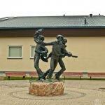 """Skulptūra """"Valmieras puikas"""""""