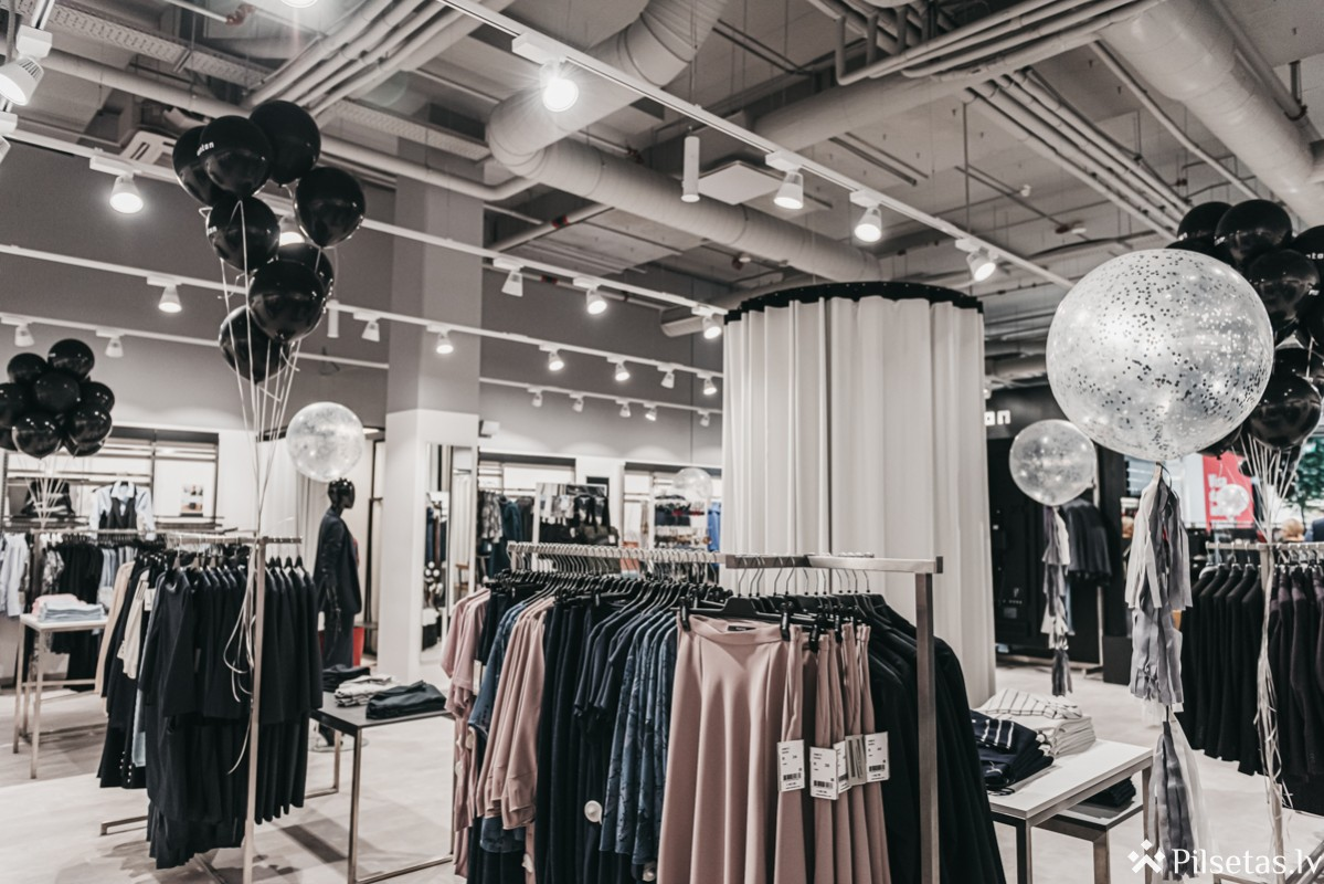Veikalu Monton un Mosaic kolekcijas turpmāk būs pieejamas zem vienota apģērbu zīmola