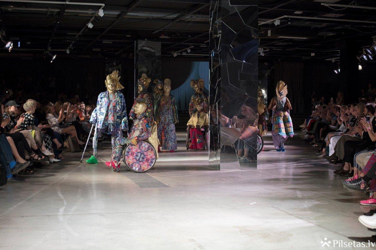 Simtgades jubilejas zīmē aizvadīta ikgadējā LMA studentu modes skate