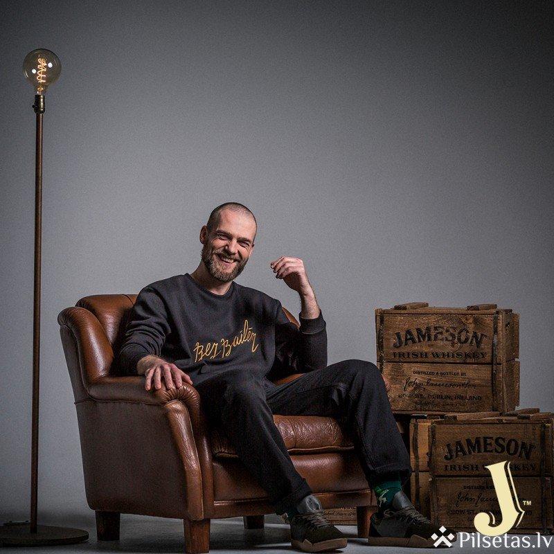 Iedvesmojošs latviešu trio kļuvis par Jameson un QooQoo sadarbības kolekcijas vēstnešiem