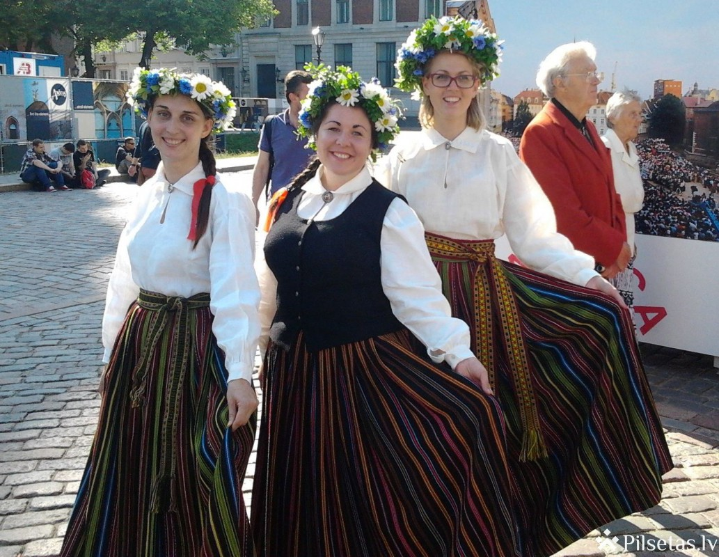 """Izstādes """"Starptautiskais folkloras festivāls """"Baltica"""" Latvijā jau desmito reizi"""" atklāšana"""