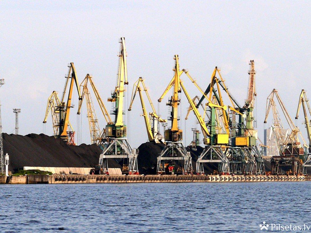 Rīgas brīvosta piedāvā divus attīstības scenārijus