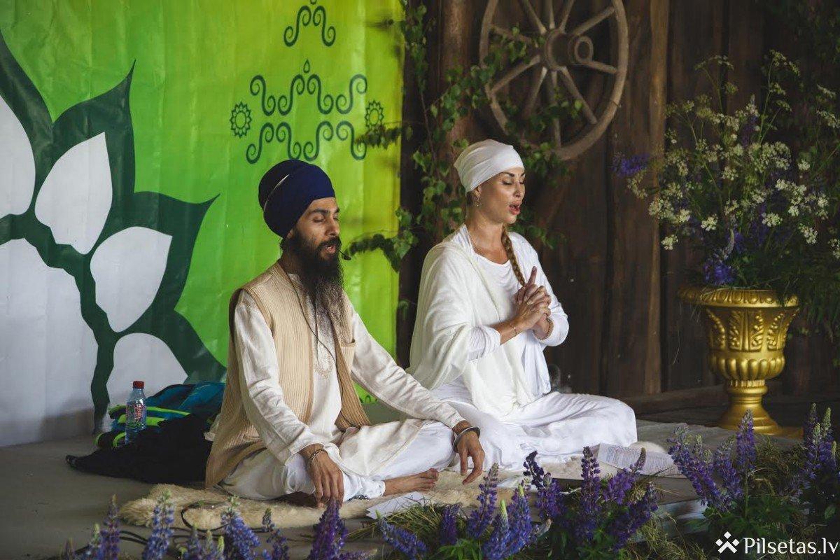 Siguldā jau ceturto gadu pēc kārtas notiks Saulgriežu jogas un mūzikas festivāls.