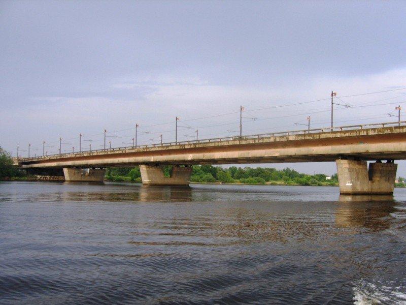 Salu tilts