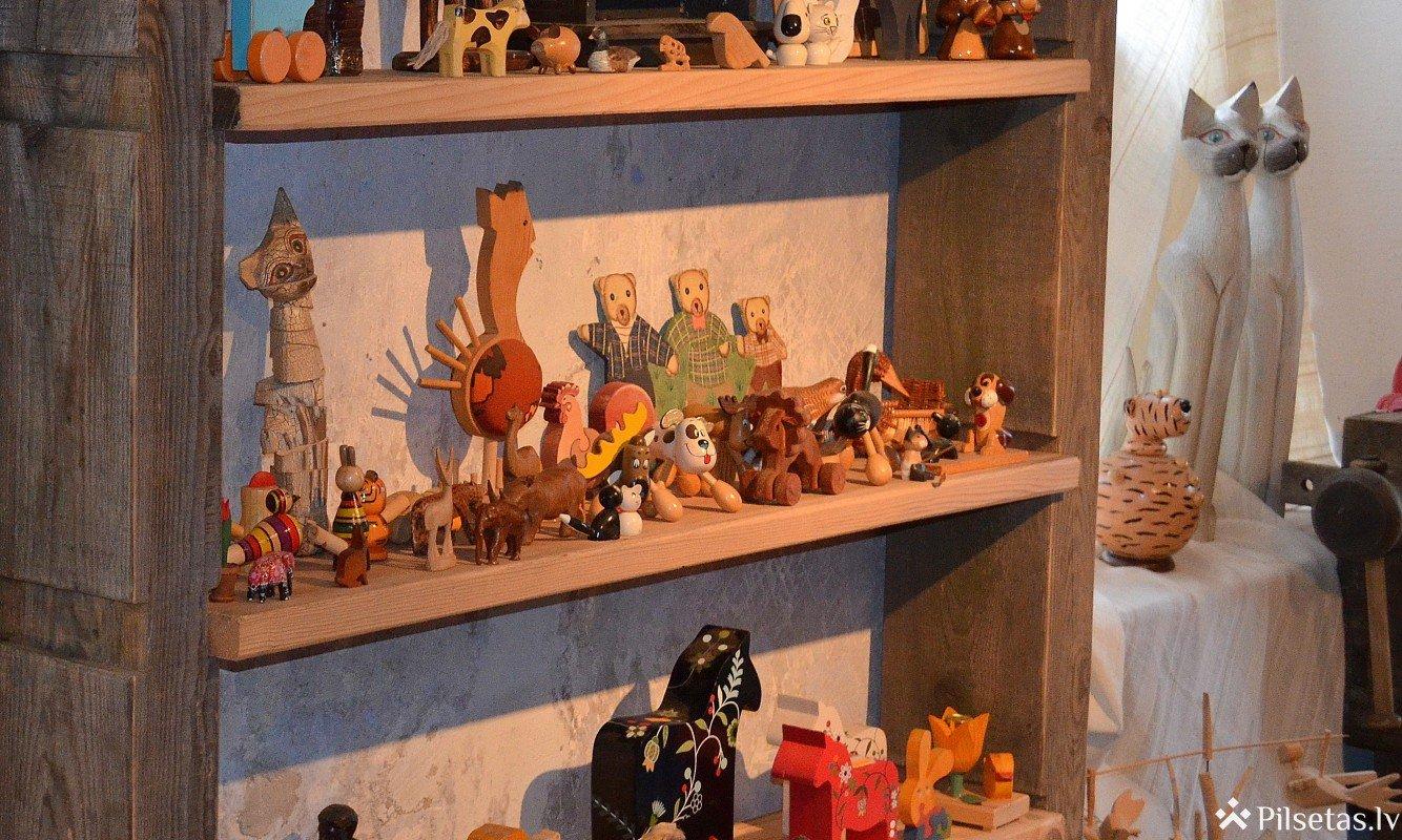Koka rotaļlietu muzejs