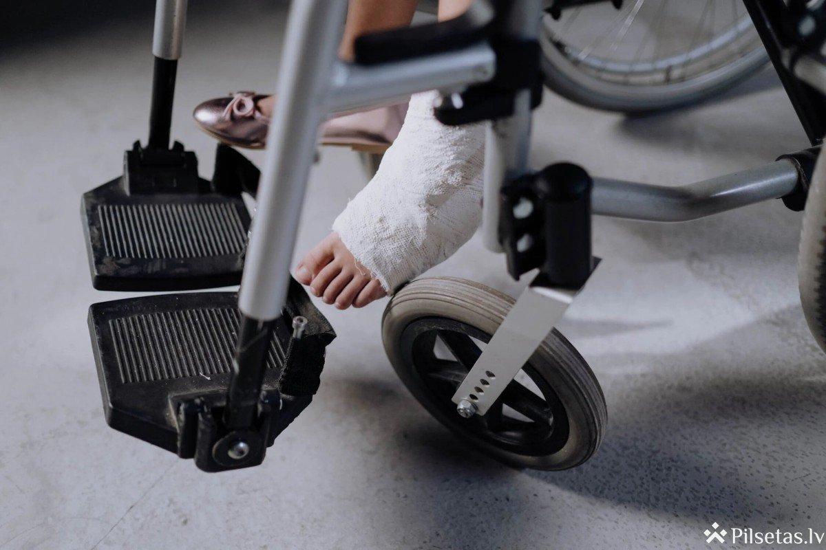 Uzņēmumi, kuros strādā cilvēki ar invaliditāti, var pretendēt uz īpašu atpazīstamības zīmi
