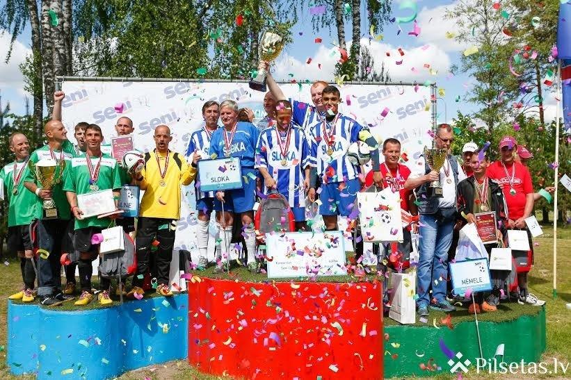 """""""Slokas"""" komanda sagādā pārsteigumu un triumfē minifutbola turnīrā cilvēkiem ar īpašām vajadzībām """"Seni Cup 2016"""""""