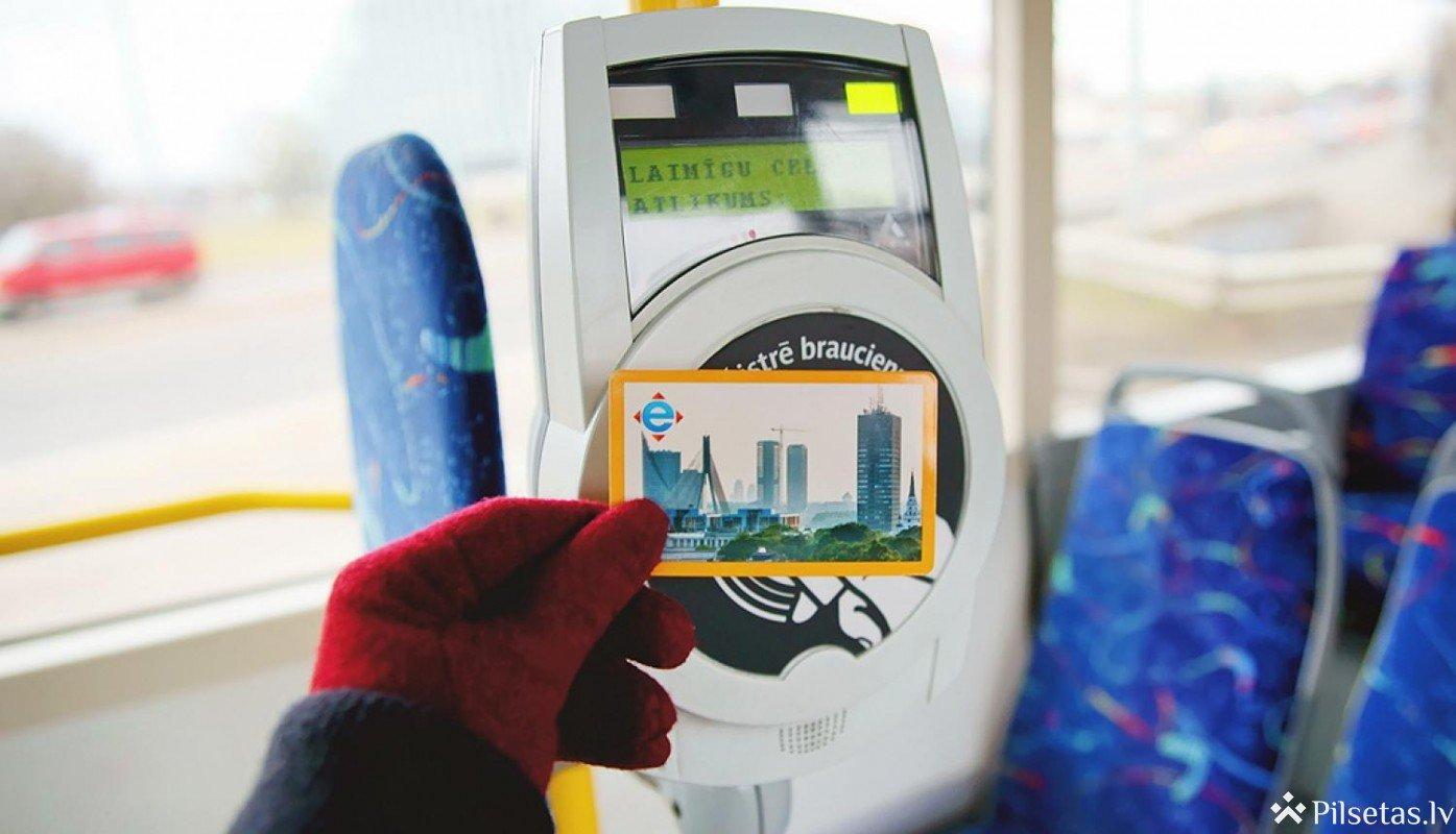 """""""Rīgas satiksmes"""" pasažieriem būs iespēja pagarināt pirmās ārkārtējās situācijas laikā iegādāto braukšanas biļešu derīguma termiņu"""