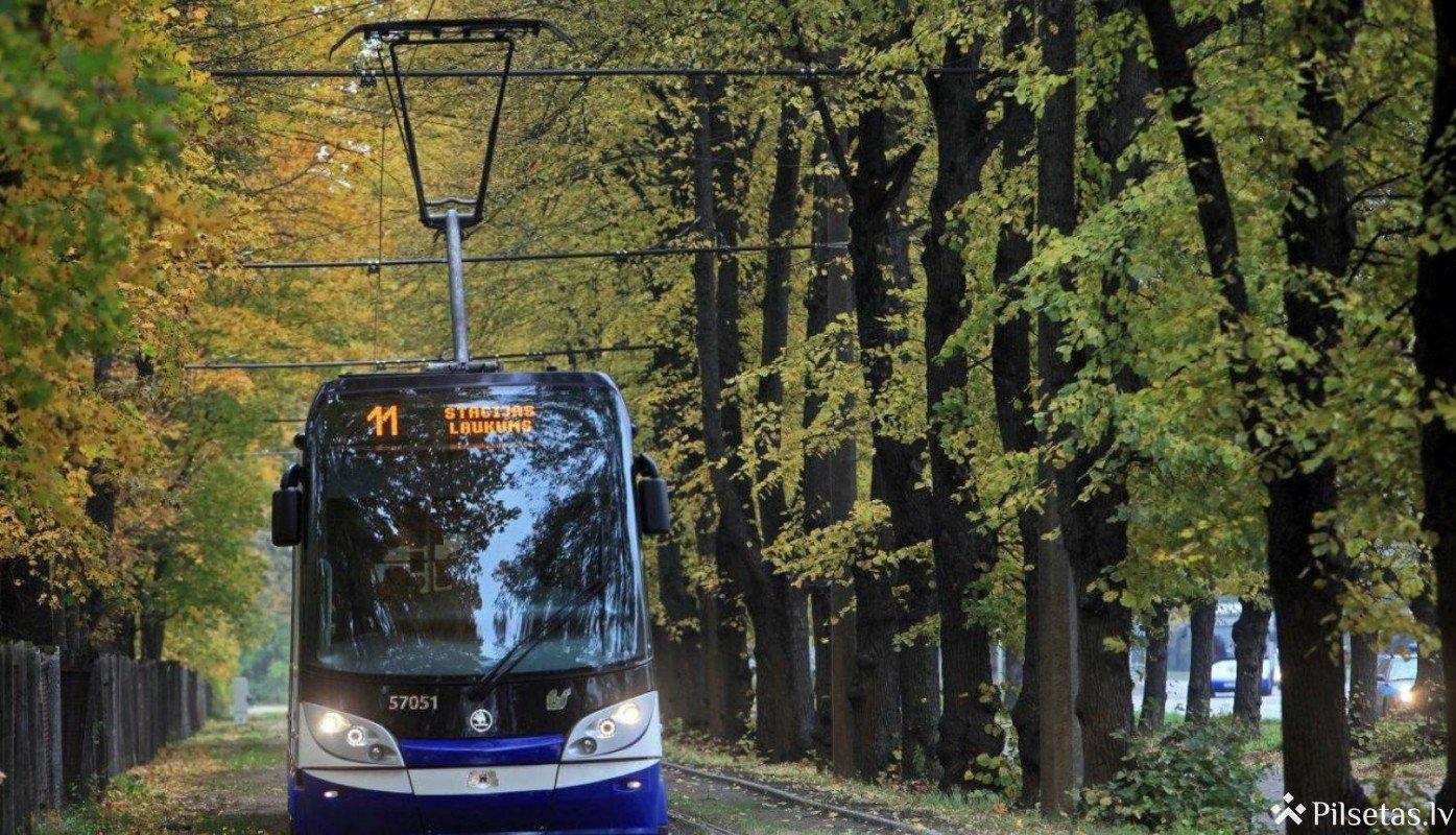 Līdz 2023.gada beigām plānots pārbūvēt 5. un 7.tramvaja maršruta līnijas, uzlabojot vides pieejamību