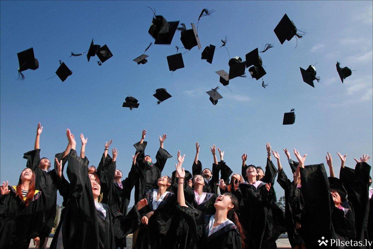 Simtgades stipendijas jau ceturto gadu saņems absolventi visā Latvijā