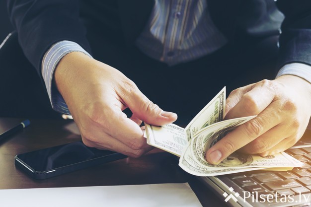 10 lietas, ko dara bagāti cilvēki, lai kļūtu vēl turīgāki