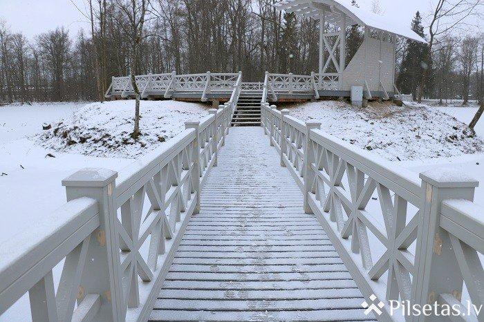 Preiļu parkā uzbūvēta vasaras estrāde un atjaunoti divi tiltiņi