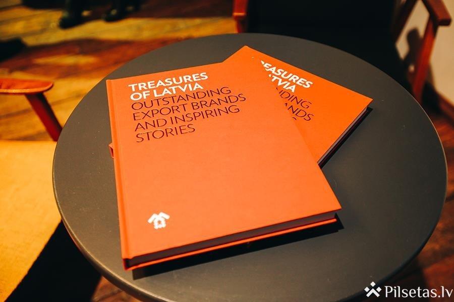 """Kustība The Red Jackets laidusi klajā jaunāko """"Treasures of Latvia"""" grāmatu par pašmāju eksporta izcilniekiem"""