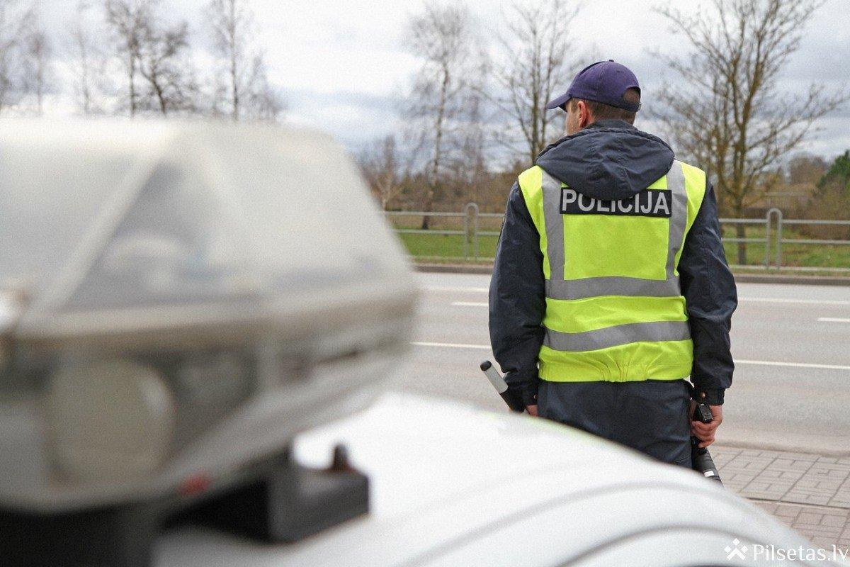Nākamnedēļ policija pastiprināti kontrolēs atļauto braukšanas ātrumu