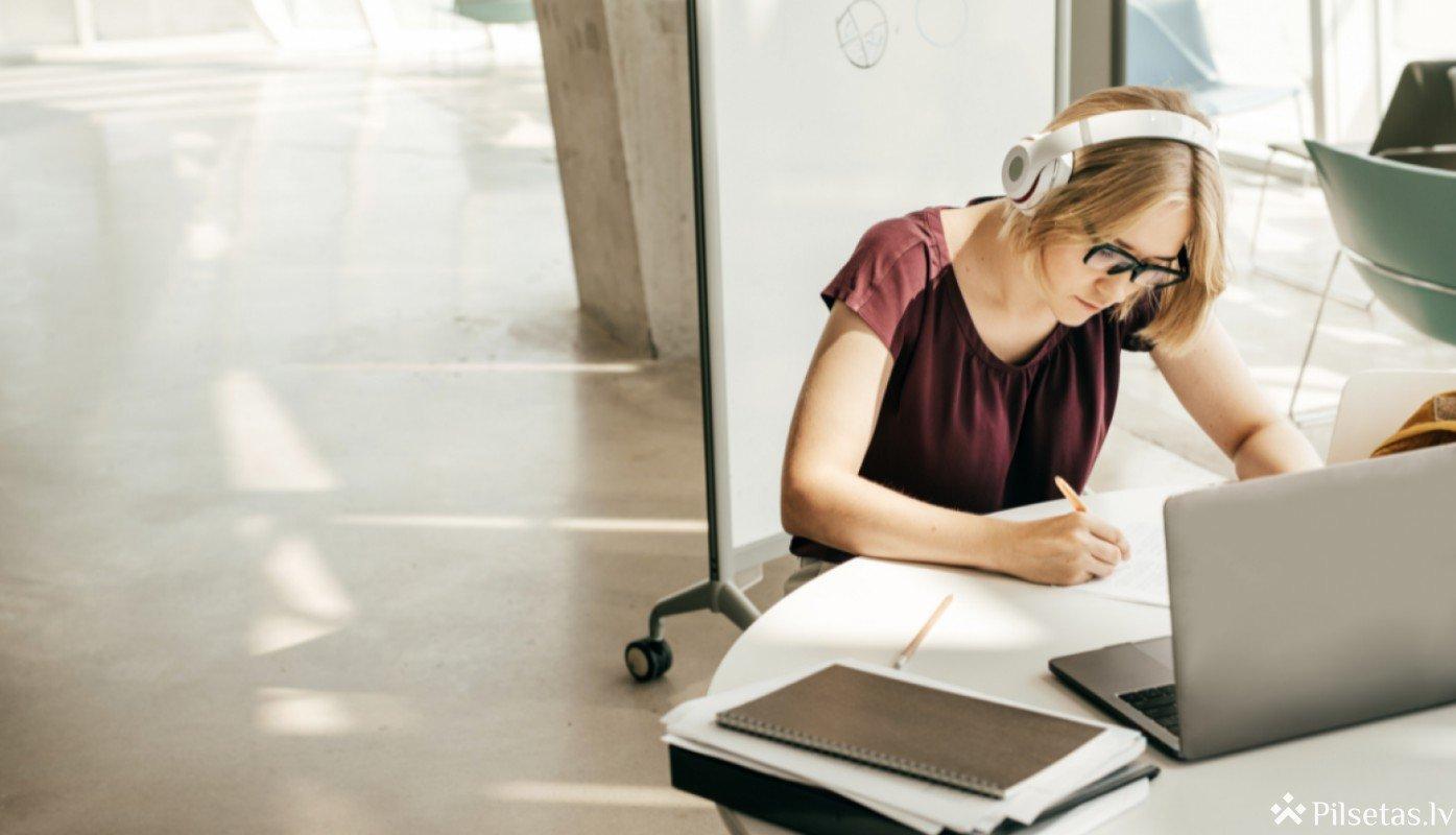 Piešķir papildu finansējumu valsts garantēto studiju un studējošo kredītu izmaksai
